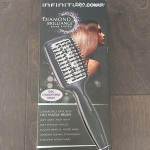 Conair Infiniti Pro  Ionic Straightening brush